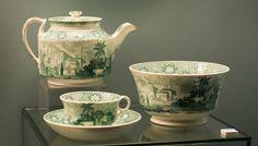 Сервиз чайный. Англия, Стаффордшир, Этрурия. Завод Дж. Веджвуда. 1820-е-1830-е гг. Фаянс; подглазурная печать.