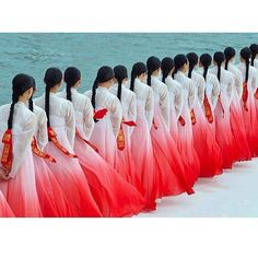 Beautiful HANBOK (traditional korean clothes for women) in Ombre style....
