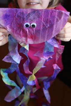 If you have spare coffee filters laying around, then this is the best animal craft to make with your kids!