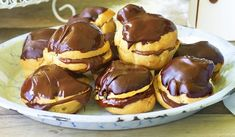 Everyone will love these decadent chocolate profiteroles in this easy to make dessert recipe. Cooking Chocolate, I Love Chocolate, Decadent Chocolate, Chocolate Recipes, Belgian Chocolate, Chocolate Cookies, Eclairs, Profiteroles Recipe, Easy To Make Desserts