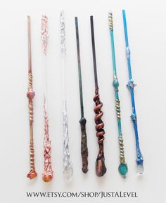 Wand Update I am working on a lot of custom orders this week and put these ones together for the shop. They will be listed. Harry Potter Script, Estilo Harry Potter, Harry Potter Wand, Harry Potter Birthday, Harry Potter Fan Art, Witch Wand, Wizard Wand, Wiccan Spells, Witchcraft