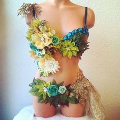 Festival Costumes, Festival Outfits, Festival Fashion, Diy Costumes, Dance Costumes, Halloween Costumes, Decorated Bras, Diy Bra, Rave Gear