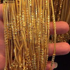 สร้อยคอทองคำ ลายคอกเทลคั่นปล้อง Mens Gold Bracelets, Jewelry Bracelets, Bridal Jewelry, Gold Jewelry, Jewellery, Gold Haram Designs, Gold Mobile, Arrow Necklace, Gold Necklace