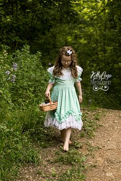 Childrens styled photography, Goldilocks in the forest
