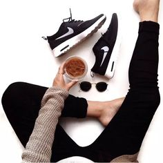 legging-e-tenis --- TÊNIS + JEANS    STEAL THE LOOK
