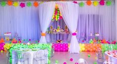 #TGLOWDAY by @lapofluxuryny... balloons by POParazzi.... #balloonsdelivered #eventplanner #events #kidsbirthdays #neonballoons #neonparty #poparazziballoons #weloveballoons Photo Credit: Daniel Florals & Sweets table: @primrosecoutureevents Bottles & Decals: @gumballnecklacedivas Welcome cards and cake toppers: @mysentiments_cutting @mysentiments_invites Name cookies & Tres leche: @magdelinescakes Treats: @mimi_cakes_yum Balloon work: @poparazziballoons Cake: @chicsugars Perfect lighting...