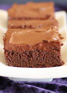Low FODMAP & Gluten free Recipe - Fudgy chocolate squares http://www.ibssano.com/low_fodmap_recipe_fudgy_chocolate_squares.html