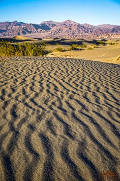 See the best hikes and viewpoints in Death Valley National Park with this list of things you can't miss -- written by a former park ranger! Beautiful Places In California, Beautiful Places In America, Beautiful Places To Visit, Cool Places To Visit, California National Parks, California Travel, Hiking With Kids, Death Valley National Park, Best Hikes
