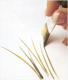 How to use paint brushes in different ways - Simple Craft Ideas One Stroke Painting, Tole Painting, Fabric Painting, Painting & Drawing, Watercolor Paintings, Painting Lessons, Painting Tips, Art Lessons, Draw Tutorial