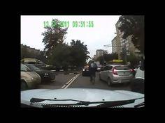 La venganza de un ciclista indignada con un conductor