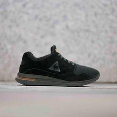 58e72825b6009 Chaussures LCS R Pure Suede Mesh Black Cognac h17. Basket Mode · Le Coq  Sportif ...
