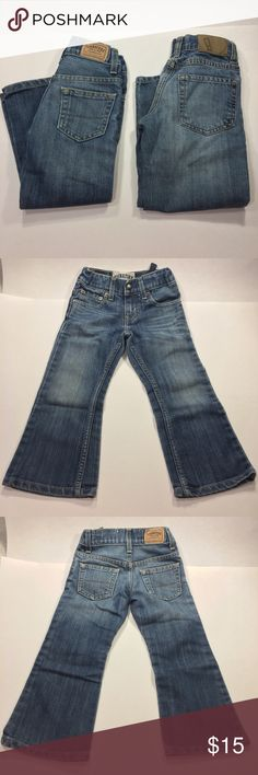 Boys size 4 Lot Of 2 pairs Adjustable waist jeans Both Pairs are in good to excellent condition.  No flaws noted.  Both are adjustable waist size 5.  One pair are Levi's and one pair are Gymboree Gymboree Bottoms Jeans
