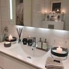 Content filed under the Shower Panels taxonomy. Bathroom Interior Design, Interior Design Living Room, Interior Decorating, Bathroom Inspiration, Home Decor Inspiration, Shower Panels, Beautiful Bathrooms, Small Bathroom, Modern Bathroom