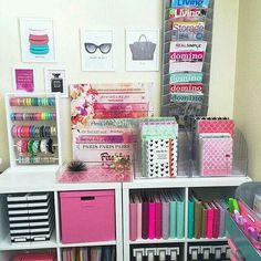 Que tal começar a semana se organizando?! Transforme seu cantinho!! www.facebook.com/comestilounico