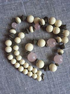 Vintage Rose Quartz Necklace - love necklace - boho necklace - gemstone necklace - ethnic necklace - seventies vintage - chunky stone neckla by TroppoBella on Etsy https://www.etsy.com/listing/231301786/vintage-rose-quartz-necklace-love