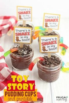 Toy Story Party Printable and Mason Jar Chocolate Pudding Recipe. These free toy story printables are perfect for a Woody and Buzz Lightyear fan. 3 Year Old Birthday Party Boy, Toy Story Birthday, Toy Story Party, Toy Story Movie, 4th Birthday, Birthday Ideas, Birthday Favors, Toy Story Crafts, Chocolate Pudding Recipes