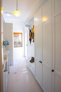 Statement-tiles-white-laundry