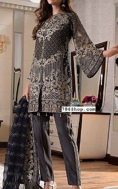 Online Indian and Pakistani dresses, Buy Pakistani shalwar kameez dresses and indian clothing. Pakistani Dresses, Indian Dresses, Indian Outfits, Short Kurti Designs, Hot Suit, Chiffon Dresses, Shalwar Kameez, Nice Things, Dress Ideas
