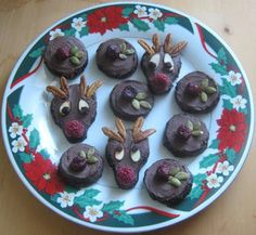 the happy raw kitchen: Raw Cherry-Hemp Brownie - Your kids will love decorating these fun & festive frosted brownie~cookies!
