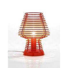 Επιτραπέζιο φωτιστικό - πορτατίφ - λαμπατέρ μονόφωτο, σε μοντέρνο στυλ, κατασκευασμένο από σιδερένιο πλέγμα που περιβάλει το λαμπτήρα. ------------------------------------------------ Table lamp, in modern style, made of iron grid surrounding the lamp. #deskgoals #tablelamp #tabledecor #housetrends #decoratingideas #grid #iron Furniture Decor, Furniture Design, Metal Processing, Office Lamp, Bedside Lamp, Bustiers, Furniture Inspiration, Lamp Light, Appliques