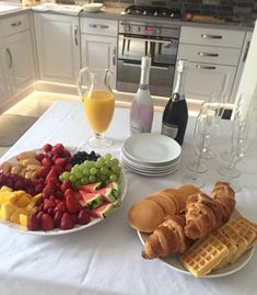 41 Trendy breakfast buffet ideas mornings # Food and Drink ideas mornings Think Food, I Love Food, Good Food, Yummy Food, Tasty, Comida Picnic, Breakfast Buffet, Brunch Buffet, Food Goals