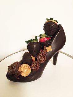 High Heel n Berries Chocolate Dreams, Chocolate Art, Chocolate Factory, Chocolate Gifts, Chocolate Lovers, Chocolate Desserts, High Heel Cakes, Edible Fruit Arrangements, Candy Stand