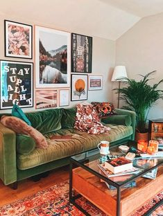 54 Elegant living room wall decor that you can try out as soon as possible . - 54 elegant living room wall decor that you can try as soon as possible - Elegant Living Room, Boho Living Room, Home And Living, Gallery Wall Living Room Couch, Living Room Decor Green Couch, Eclectic Living Room, Cozy Living Rooms, Quirky Living Room Ideas, Art In Living Room