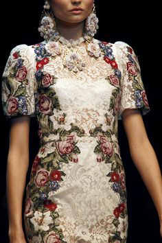 Dolce and Gabbana, FW13 fashion show, sort of brocade/needlepoint florals? i might die!