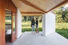 Three-Gable Roof House / Arrokabe Arquitectos