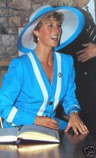 Princess Diana  LOVELY PICTURE OF A YOUNG WOMAN TAKEN AWAY TOO SOON……….ccp