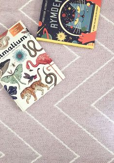 Plastic in- and outdoor rug Rita Dusty Rose. Soft on your feet and knees, ideal for your kids to play on.