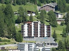 Guardaval 2 Davos Guardaval 2 is a studio with a balcony, located in Davos, 1 km from Davos Congress Centre. The unit is 1.4 km from Vaillant Arena. There is a dining area and a kitchen equipped with oven. A TV is available.