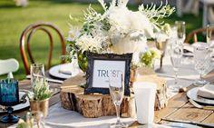 Rustic Wedding Table Ideas For Unique Wedding Decoration Bodas Shabby Chic, Shabby Chic Wedding Decor, Rustic Wedding Backdrops, Rustic Wedding Centerpieces, Wedding Table, Wedding Decorations, Table Decorations, Wedding Ideas, Wedding Ceremony