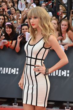 Taylor Swift - Stars at the Much Music Video Awards