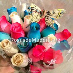 #Mariposa de plumas amarilla en ramo de rosas de madera #vintage 4th Of July Wreath, Hanukkah, Wreaths, Home Decor, Pink Butterfly, Wooden Flowers, Rose Bouquet, Yellow Girl Nurseries, Feathers