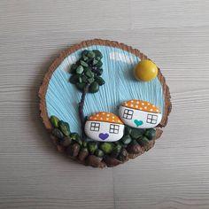 Kütük de manzara ☺#tas #tasarim #tastasarim #tassanati #taspano #pano #pebbleart #handmade #stoneart #stonepainting #stone #kalp #evler #agac #gunes #hediyelik #hediye #evhediyesi #elyapimi #elboyamasi #elemegi #like4like #marifetlieller