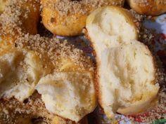 Cum sa faci mucenici pufosi si aromati - Stirile Kanal D Bread Rolls, Bagel, Sweets, Desserts, Food, Breads, Tailgate Desserts, Deserts, Rolls