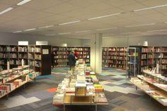Boekenwalhalla Donner is terug en vanaf vandaag te vinden op de Coolsingel ow.ly/xaSwZ #RdamShoppingstad