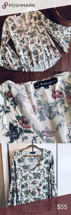 HPFIRM⭐️For Love & Lemons Tunic Beautiful floral tunic by For Love & Lemons! Bell sleeves and a gorgeous cream floral print. This is a Re-posh, so sad that it didn't fit me, Size is Large but does not fit a Large, I say it fits more like a Small. I also undid a certain stitch that was at the V part of it, I thought it looked odd otherwise it is new as was sold to me. No content tag. I am not making my cost so PRICE IS FIRM!!! Boho For Love And Lemons Tops