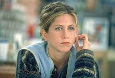 Jennifer Aniston said that she wishes for the era of Meg Ryan to come back, and that the Marvel films were diminishing the Hollywood industry. The Good Girl Movie, Jennifer Aniston Movies, Jennifer Aniston Young, Musica Salsa, John Aniston, Rachel Friends, Donnie Darko, Gold Girl, Actor John