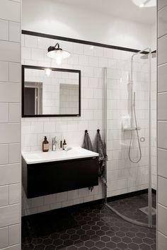 Decoración de apartamentos: cuarto de baño en blanco y negro 16