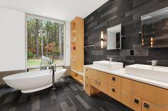 Image result for черная ванная сдеревом