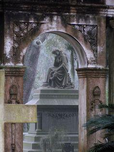 Bonaventure Cemetery, Savannah, GA photo by Dick Bjornseth
