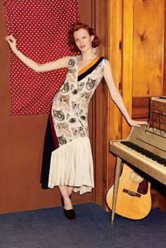 Karen Elson models Stella McCartney dress with cat prints 2016 Campaign