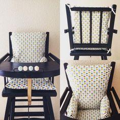 Coussin de chaise haute - motif gouttes - toile enduite, coussin chaise haute Coussin chaise haute en toile enduit effet glossy et rembourré à l'aide de ouatine épaisse. Des liens aux 4 coins du dossier assure un maintien parfait du coussin de chaise haute à la chaise de bébé. Prix du coussin chaise haute : 39,50€