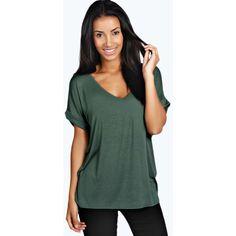 Boohoo Basics Unity Oversized V Neck Tee (61 ILS) ❤ liked on Polyvore featuring tops, t-shirts, khaki, short sleeve v-neck tee, oversized tee, scoop-neck tees, green v neck t shirt and v neck tops