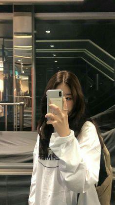 Korean Aesthetic, Aesthetic Photo, Aesthetic Girl, Ulzzang Korean Girl, Cute Korean Girl, Asian Girl, Korean Girl Fashion, Ulzzang Fashion, Tmblr Girl