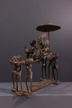 Sculpture en bronze Bamoun - Bronze-art-africain - Art africain #ArtAfricain #Bronze #Bamun Bronze Art, Afrique Art, Art Tribal, Ancient Artifacts, Oeuvre D'art, Cavalier, Statues, Metal Working, Cool Designs