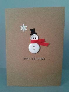 白いボタンを使ってスノーマンを表現したクリスマスカードです。 ボタンの穴までデザインの一部にしてしまうなんて、技ありアイディアですね☆