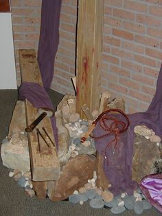 Progressive Lenten Altar close up Altar Design, Church Design, Church Altar Decorations, Christian Holidays, Easter Garden, Maundy Thursday, Church Banners, Easter Flowers, Church Flowers
